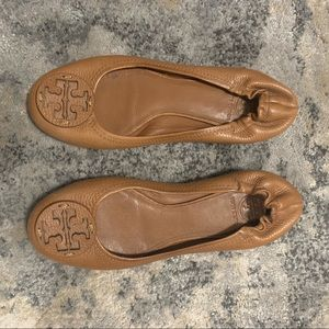 Tory Burch Reva tumbled logo Flat Women's shoes 9M